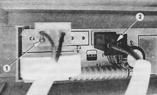 Подключение соединителей сенсоров к дисплею Е72