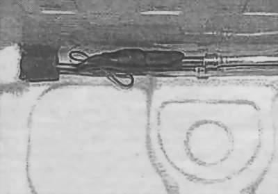 Не касаются ли трубки с хладагентом облицовки