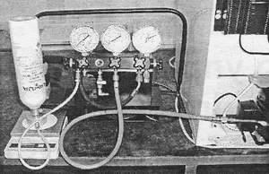 Процесс заправки системы хладагентом R600a