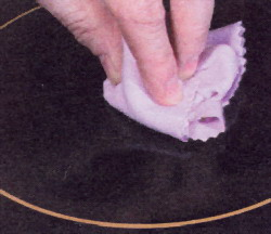 Отполируйте плиту