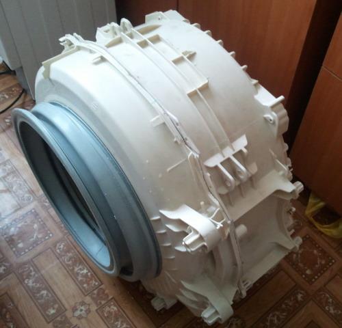 Извлеченный бак стиральной машины