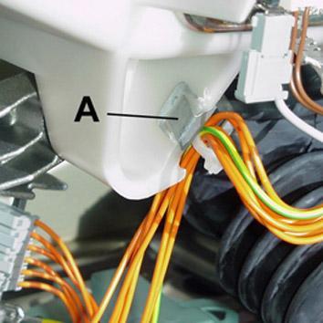 пластиковый держатель для жгута кабеля
