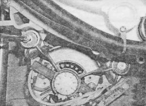 Демонтаж винтов, крепящих электродвигатель