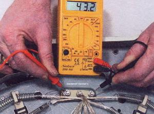 тестером проверить нагревательный элемент